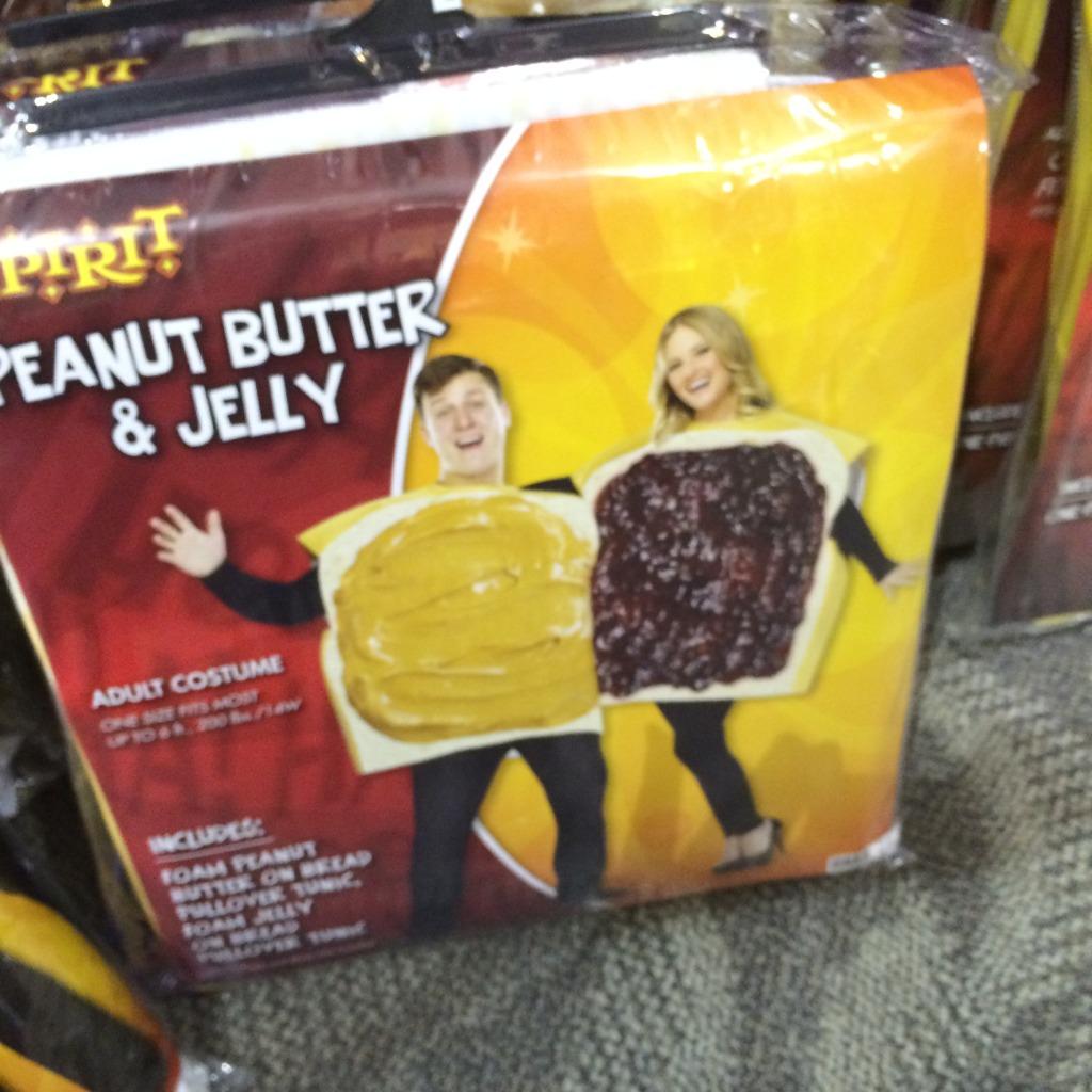 Dumb Halloween costumes couples