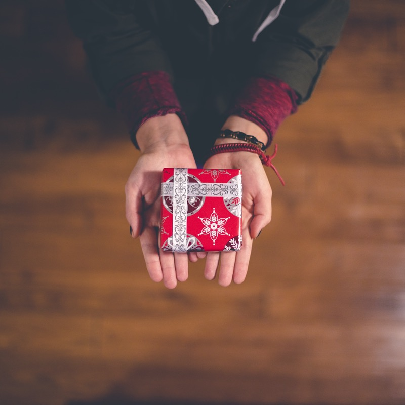 A Gift Guy-de: Buying For Men Is Tricky